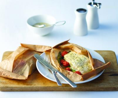 Parchment-Wrapped Salmon with Asparagus, Tomatoes, and Mustard-dill Sauce